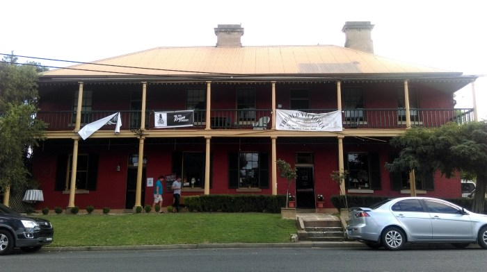 old victoria inn east maitland nsw 2