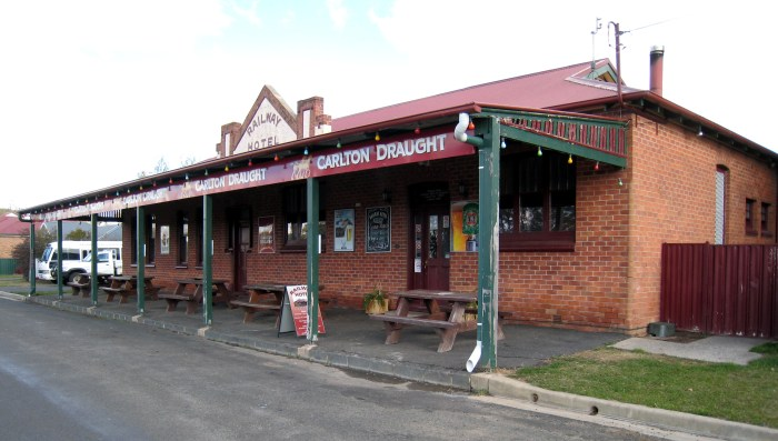 railway hotel spring hill nsw 2018 c
