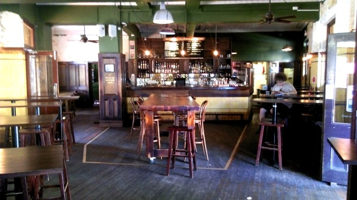 taphouse darlinghurst bar room