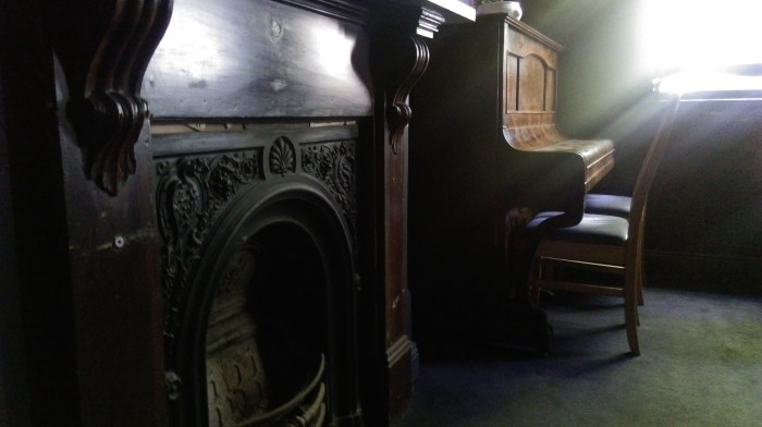 eveleigh hotel piano fire place