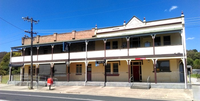 royal hotel 1 cullen bullen nsw