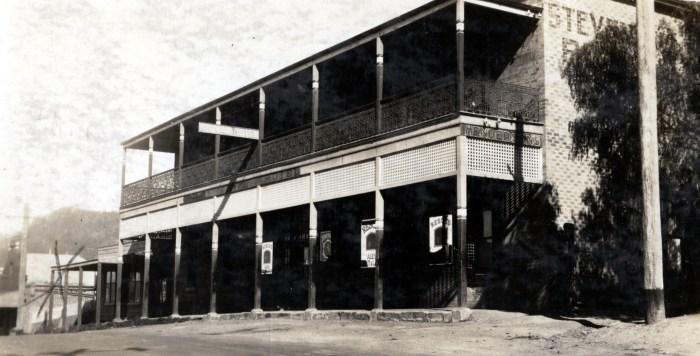 Royal Hotel Woonona 1937 anu