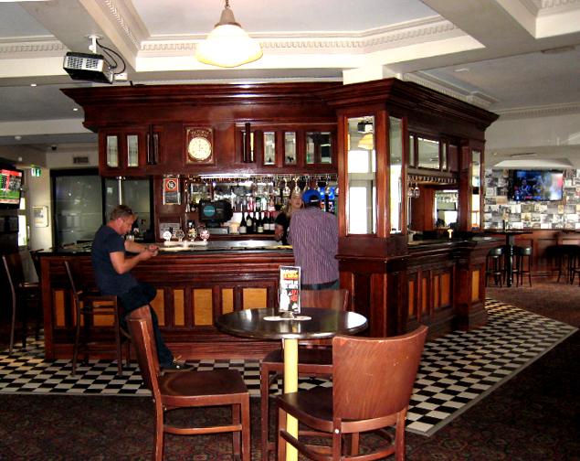 unity hall hotel balmain bar