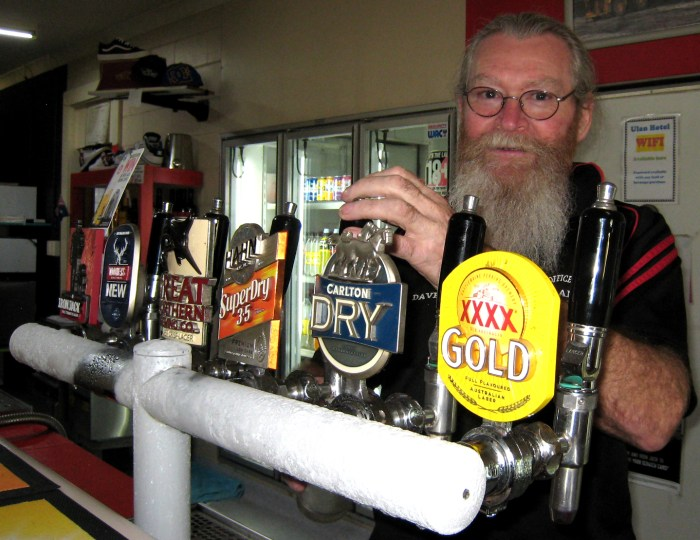 Dave MacMahon publican Post Office Hotel Ulan NSW 2019 TG 2