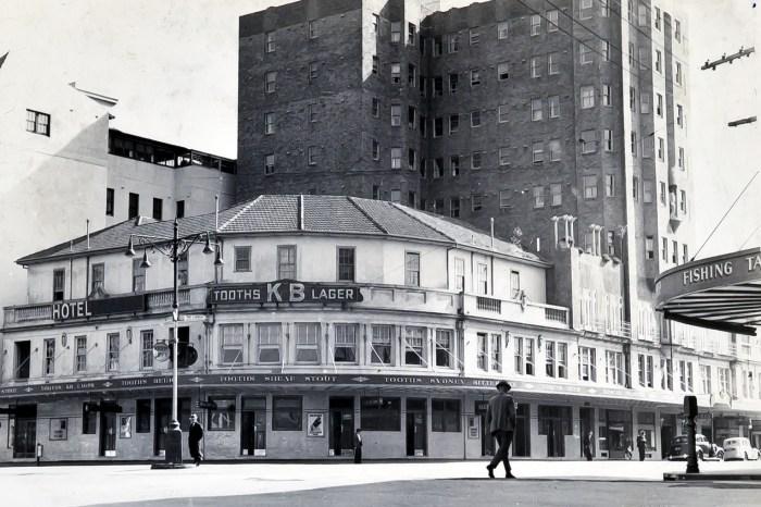 Manly Hotel 1949 anu