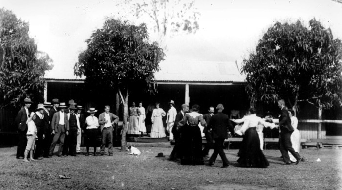 Lions Den Hotel Helensvale qld 1910