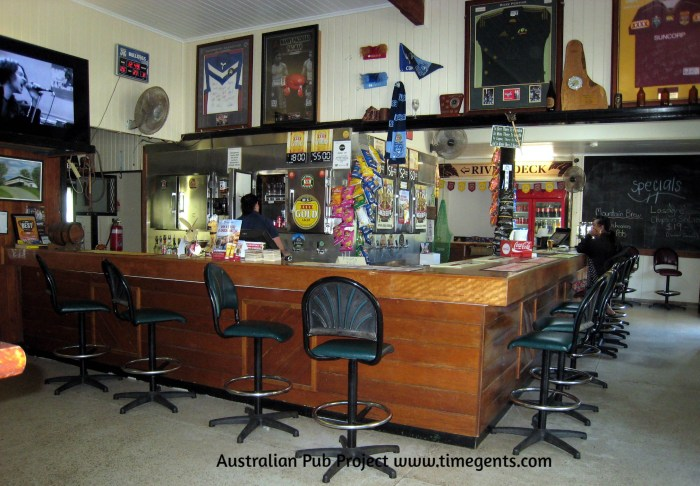 Mountain View Hotel Little Musgrave Qld bar TG W