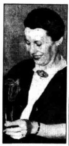Vicki Patterson barmaid Ushers Hotel Sydney 1942