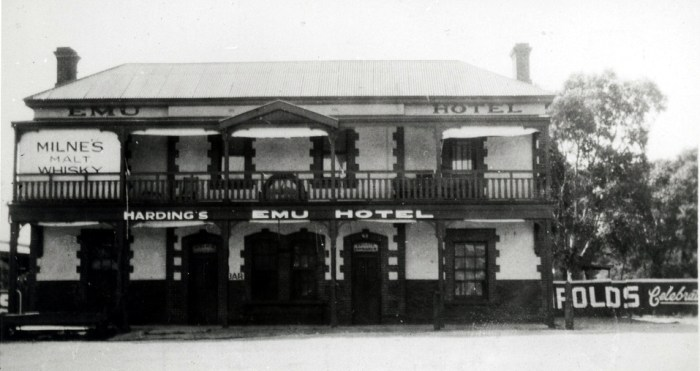 Emu Hotel Morphetvale 1936 State Library of SA