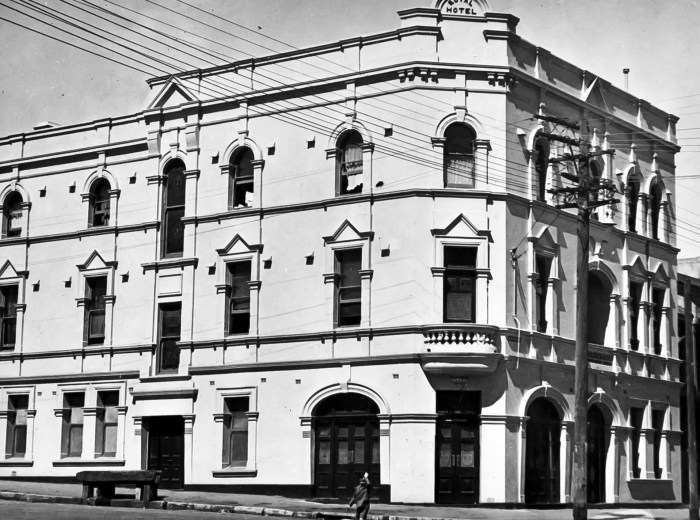 Royal-Hotel-Abercrombie-Street-Chippendale-Sydney-1949-NBA-ANU