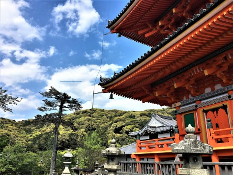 Incredible architecture of Kiyomizu-dera in Kyoto which goes back centuries is maintained well.