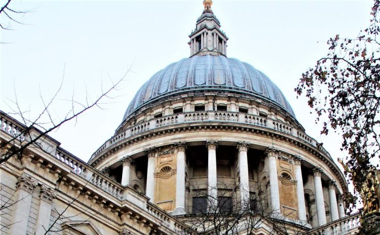St Paul's Cathedral Exterior: The Stone Gallery