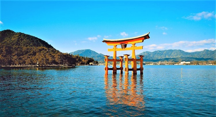 Floating torii gate at Miyajiam Island