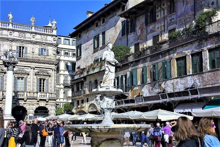 Fountain of Madonna Verona, Piazza delle Erbe, Verona