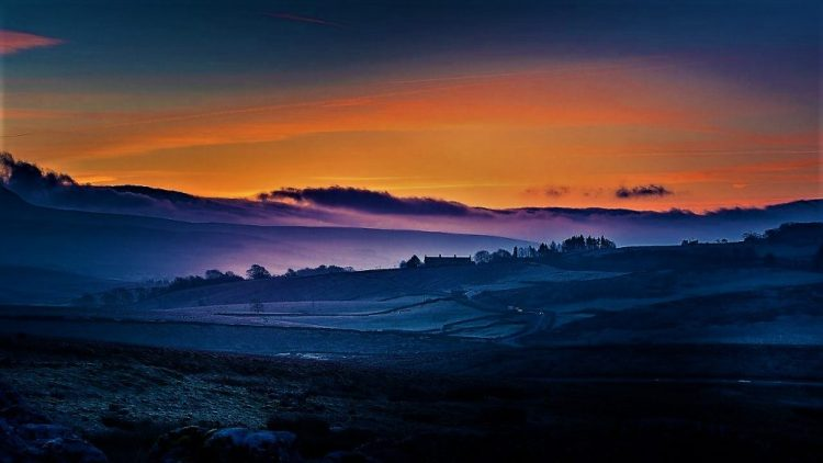 Sunrise, Yorkshire Dales | Train Travel in UK
