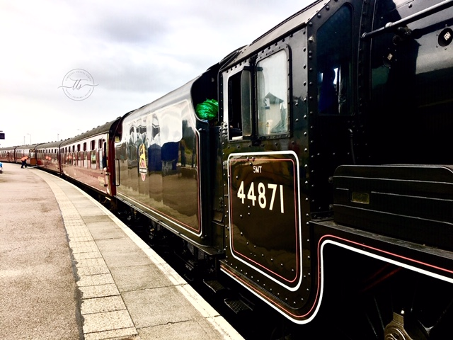 the Jacobite Steam Train 44871