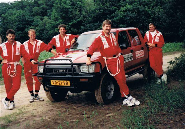 ABC-team kompleet met ter beschikking gestelde jeep.