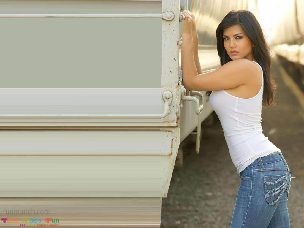 60 Hot Sunny Leone Wallpapers, Sexy Sunny Leone Pics, Hd Wallpapers-9836
