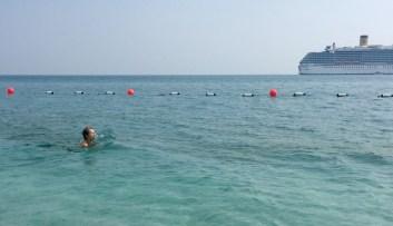 2. bagno di febbraio nell'isola di SIR Bani Yas