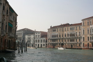 <br /><br /><br /> Not only Holland, but also the most beautiful city in the world is threatened by water: Venice