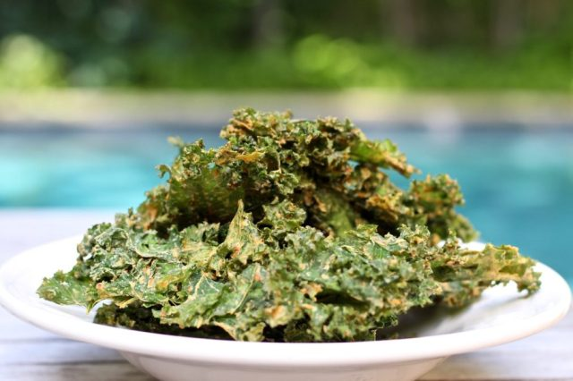 Best-Kale-Chips-Recipes. eat healthy snacks for fast weight loss. food for weight loss. diet for weight loss.