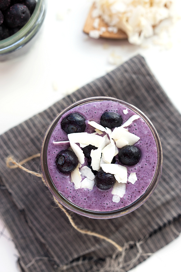 Want to look slim and sexy then try this blueberry and coconut smoothie for weight loss. Weight loss smoothies.