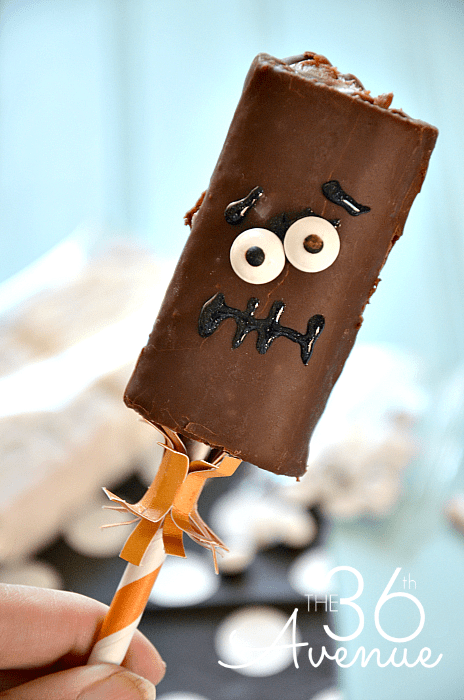 Make this delicious Halloween monster treat for kids. 1-minute monster treat ideas for kids. Try more 22 easy Halloween dessert recipes for kids. Halloween ghost recipes for school. Halloween monster eyes cookies for kids. Easy to make Halloween spooky foods ideas for kids. Easy Halloween food ideas. Easy Halloween treats for schools. Easy to make Halloween treats for kids. Halloween treats for school parties. Halloween tricks and treats food ideas. Halloween food ideas for party. Halloween food ideas for adults.