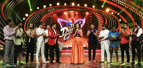 Shilpa Shetty performs in Dance Dance - Times of India