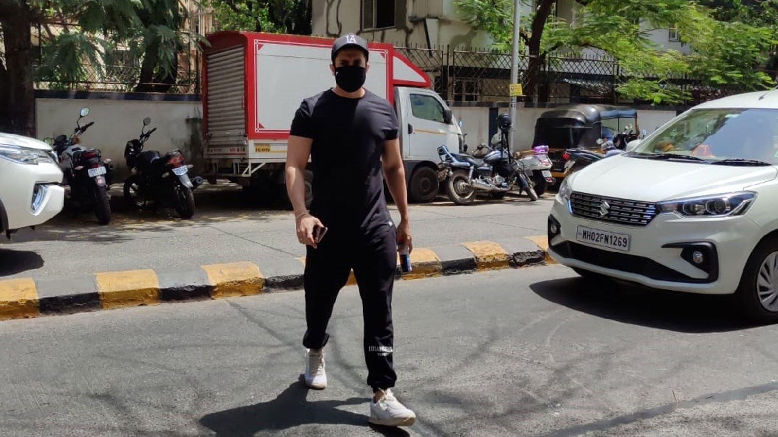 Sunny Singh spotted entering his gym in Juhu | Hindi Movie News – Bollywood – Times of India