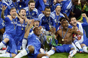 Spot-on Drogba the hero as Chelsea sink Bayern to win Champions League