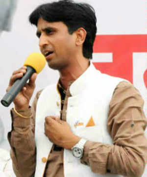 Now, Kumar Vishwas jibe at Kerala nurses