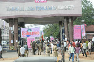 Government must step in to resolve Hyderabad's JNTU crisis