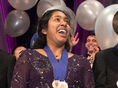 Indrani Das (Centre), 17, of Oradell, New Jersey, wins top prize and $250,000 in Regeneron Science Talent Search. (Photo courtesy: student.societyforscience.org)
