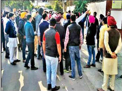 Attack on Cong workers: SAD candidate's husband, bizman ...