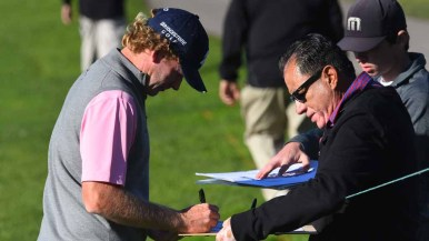 Brandt Snedeker signs autographs during the Zurich Pro-Am in the Farmers Open. Photo by Chris Stone