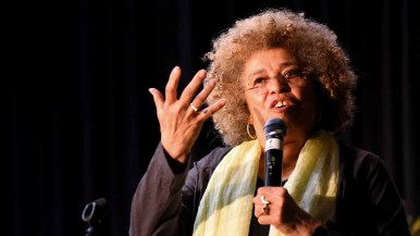 """Angela Davis saluted President Obama for several sentence commutations but was angry about Leonard Peltier being left a """"political prisoner."""" Photo by Chris Stone"""