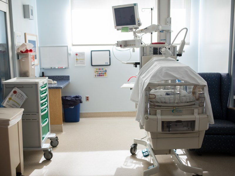 The neonatal intensive care unit at Rady Children's Hospital in San Diego. Opioids and other drugs of abuse result in newborns receiving care for withdrawal in hospitals. More screening of high risk women underway. April 12, 2017. Megan Wood, inewsource.