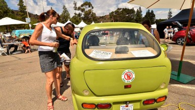 A 2007 Zap Xebra electric car was for sale.