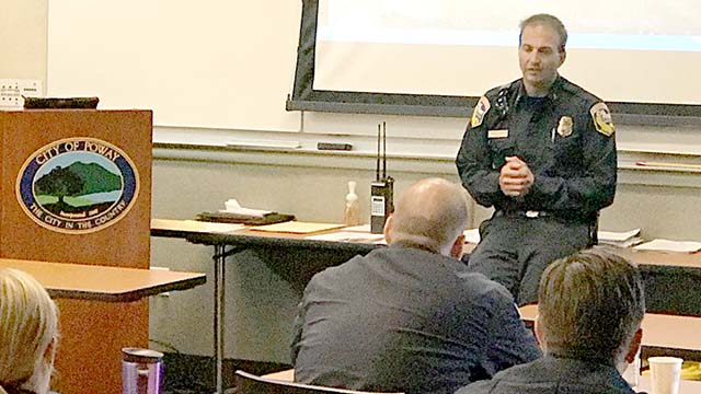 Cal Fire Battalion Chief Jeremi Roesler, incoming Julian fire chief, spoke recently in Poway.