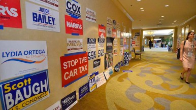 California Republican political signs