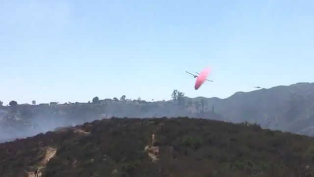 Air tanker drops retardant