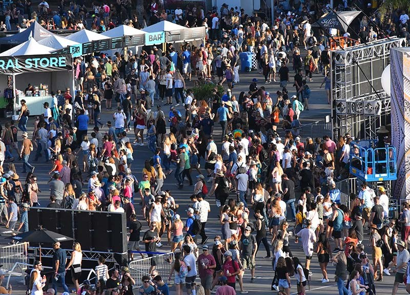 Crowds pack KAABOO Del Mar — a sell-out for the first time