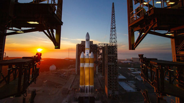 Delta IV Heady on the launch pad at Vandenberg