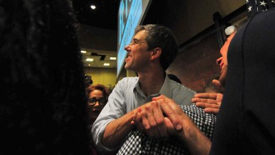 Beto O'Rourke shook hands and posed for photos after his hourlong event. Photo by Chris Stone