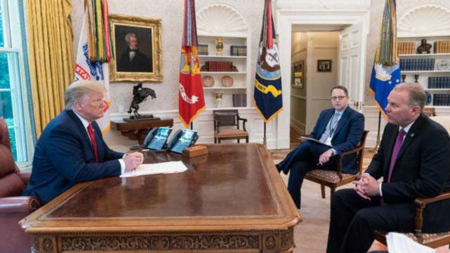 Mayor Kevin Faulconer talked trade, Tijuana sewage and other issues with President Trump for 19 minutes. Photo via White House