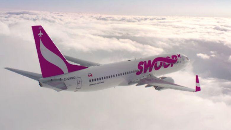 Swoop jetliner in flight