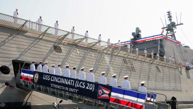 "The crew of the USS Cincinnati ""mans the ship"""