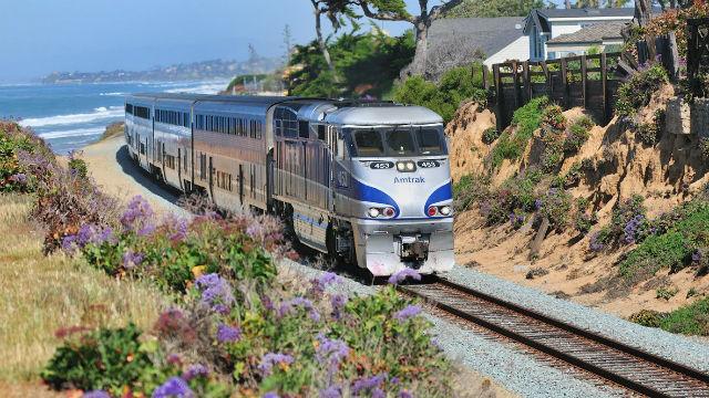 Amtrak Sufliner in Del Mar