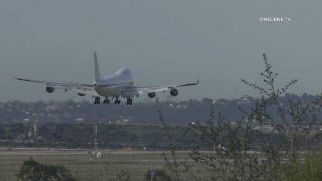 Chartered 747 lands at Miramar
