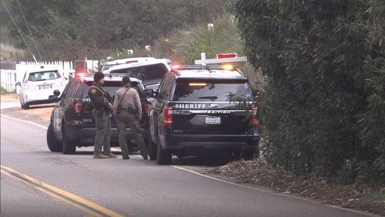 Sheriff's deputies at the standoff